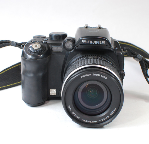 Fujifilm HD digital camera s9500 s9600 Compared with the DSLR camera 9 million effective pixels optical zoom