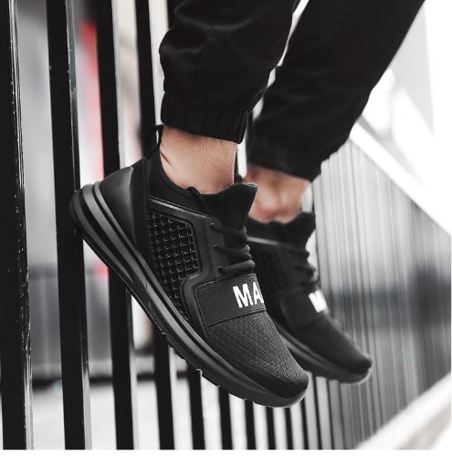 Mens Sport Shoes Breathable Running Shoes For The Man Black White Chaussure Homme Running Shoes Summer Shoes
