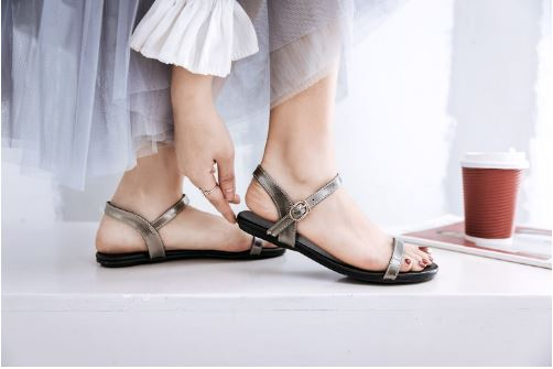 Women's new sandals flat bottom summer Korean version of the soft background pregnant simple flat