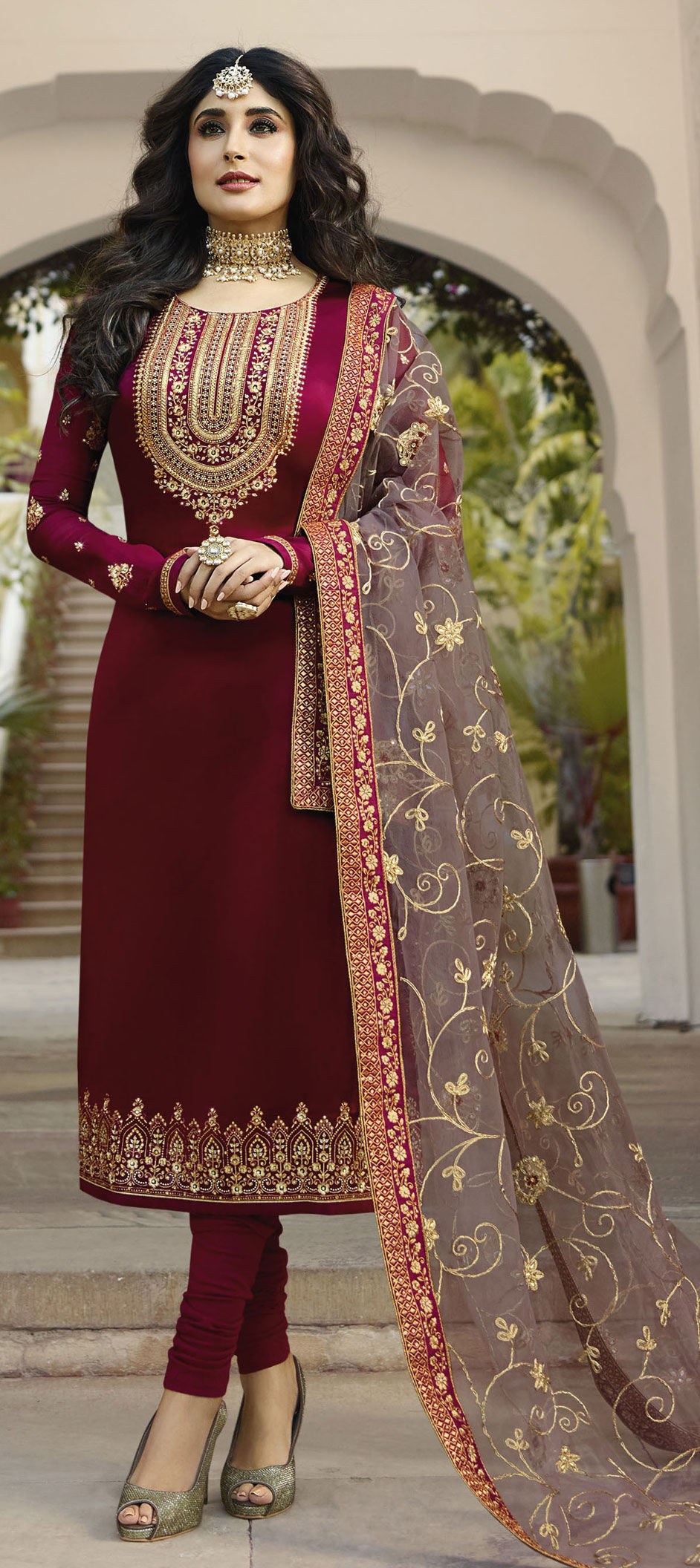 Georgette Bollywood Salwar Kameez in Pink and Majenta with Stone work
